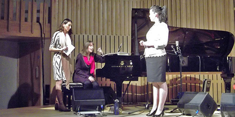 Rosalba Lo Duca (left), Annette Saunders at the piano and soprano singer Maribeth Diggle (right)